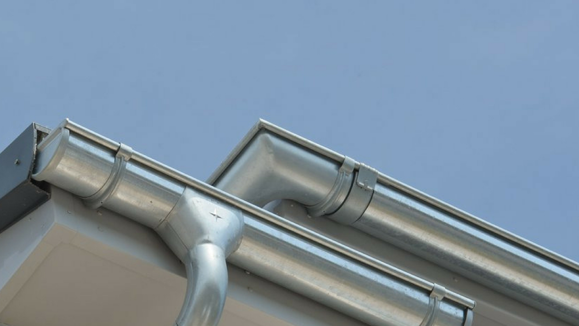 We offer galvanised steel gutters which are better at resisting dents. Our galvanised steel is more appealing even in hot conditions, very strong and reliable.